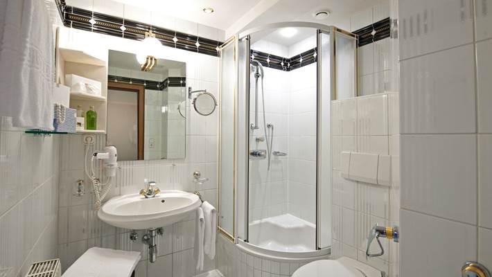 Einzelzimmer Kat H Badezimmer